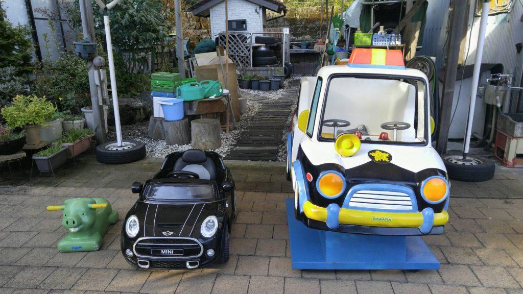 お子様が楽しめる乗り物も準備しています。